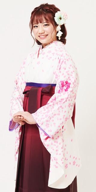 【着物】クリーム重ね桜