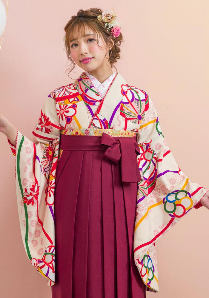 可愛い手毬柄が描かれた卒業式のネットレンタル袴