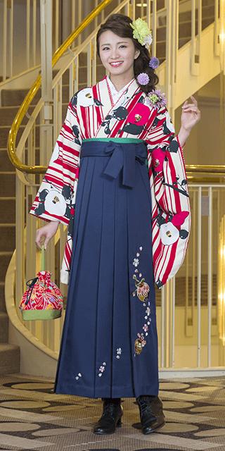 【着物】白地赤縞に椿+【袴】コン鈴桜