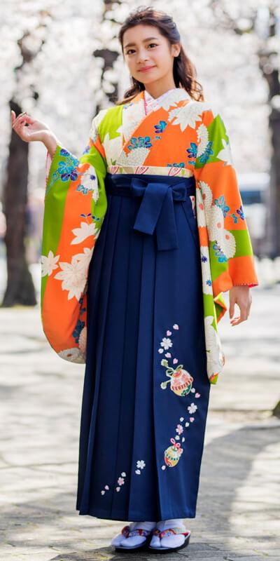 着物:オレンジ黄緑に大菊と袴:コン鈴桜
