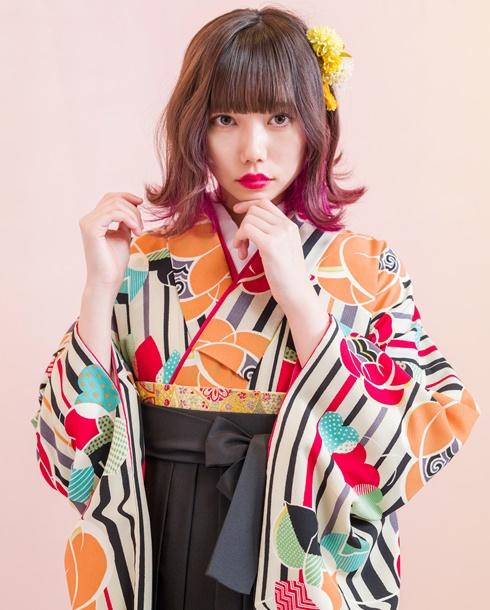 めいいっぱい卒業式を楽しむならポップな袴コーデをネットレンタル!