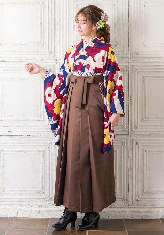 茶色の袴を合わせたレトロなBBB447_CHA011のコーディネート
