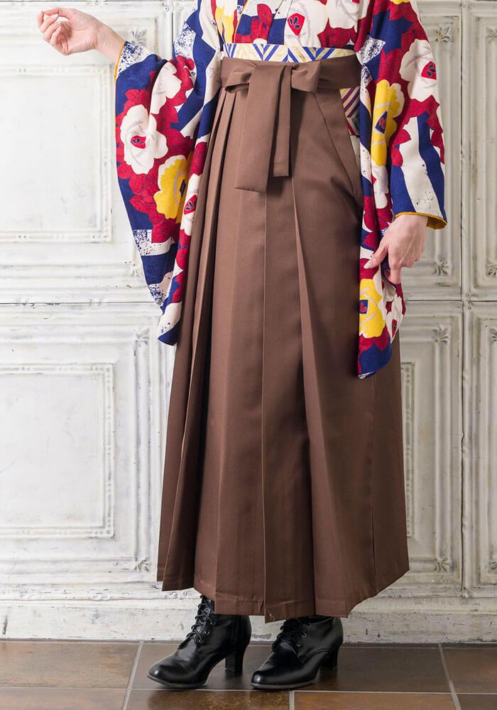 卒業式のネットレンタルで人気の茶色い袴