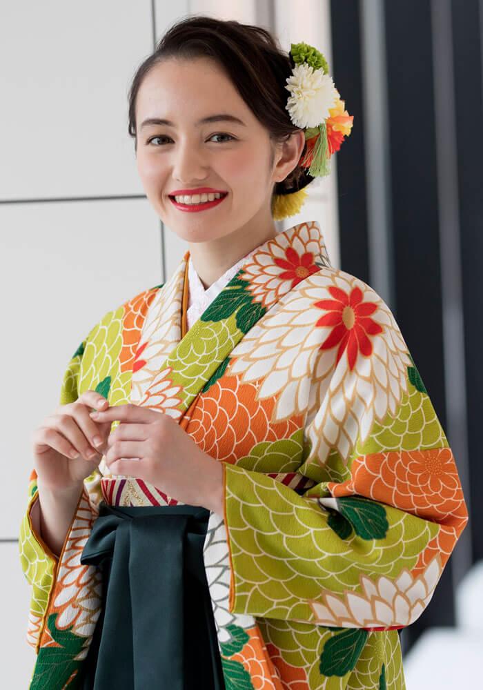 アヤカ・ウィルソンちゃんが着る卒業式のレンタル袴