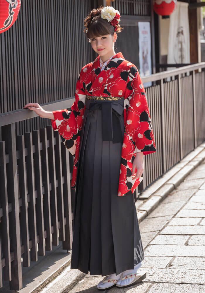 【着物】クリーム赤椿+【袴】グレーボカシ