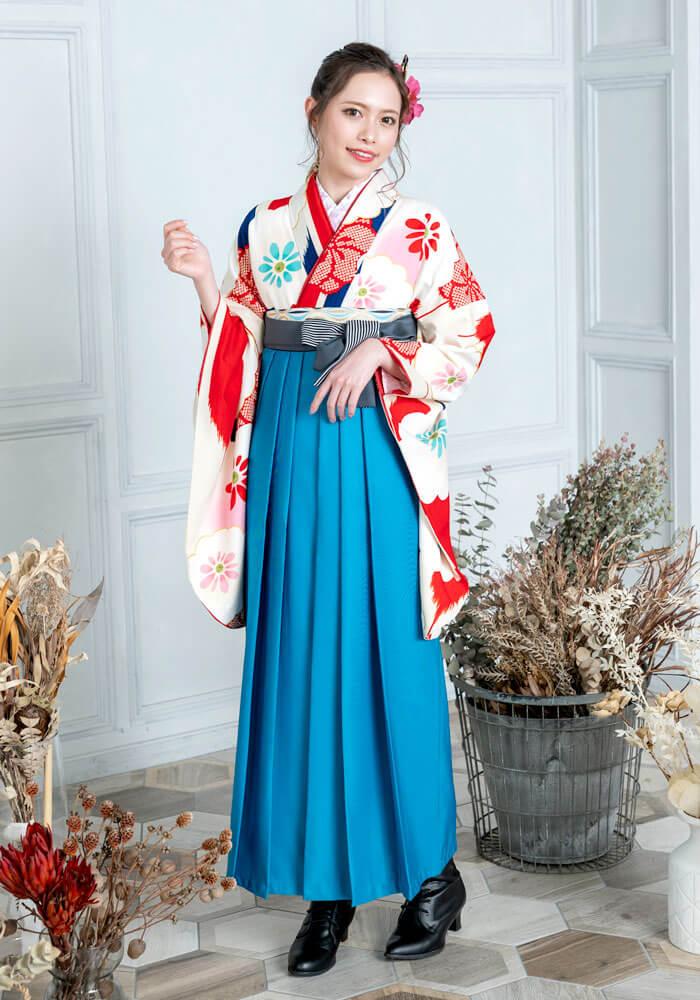 【着物】クリーム赤青矢絣に白梅+【袴】サイレントブルーひも縞