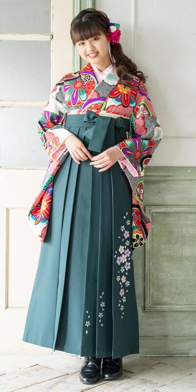 着物:白に雲絞りに花鏡と袴:フカミドリ友シダレザクラ