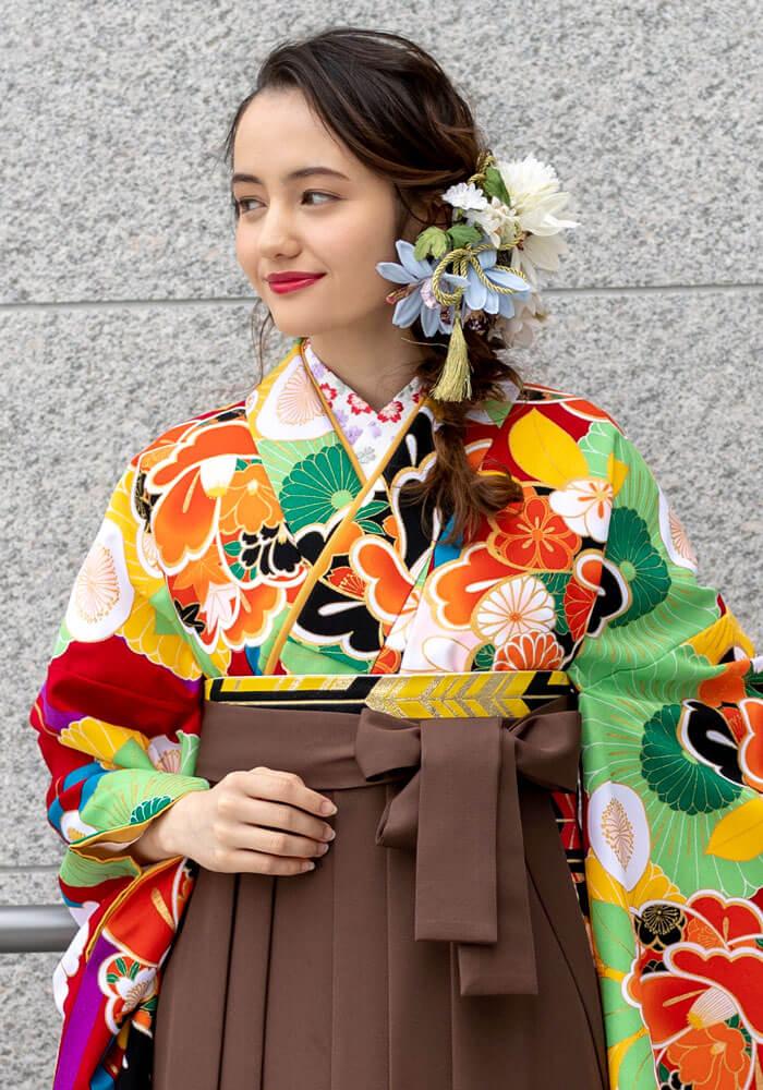 着物:赤に菊椿