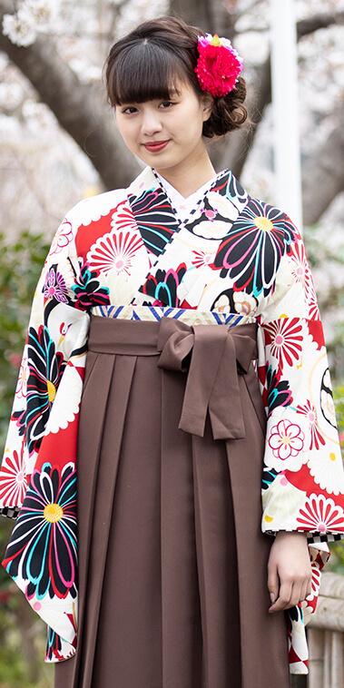 着物:赤地白菊華衣