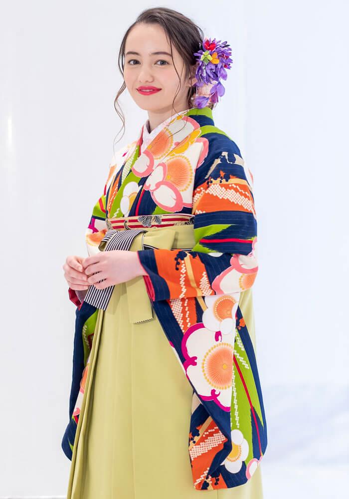 レトロモダンな雰囲気が可愛い卒業式袴