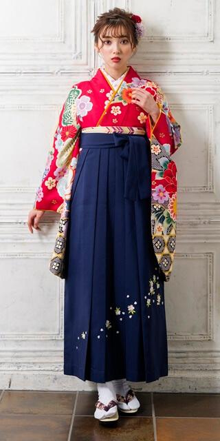 【着物】赤に友禅金飾+【袴】紺シシュウ