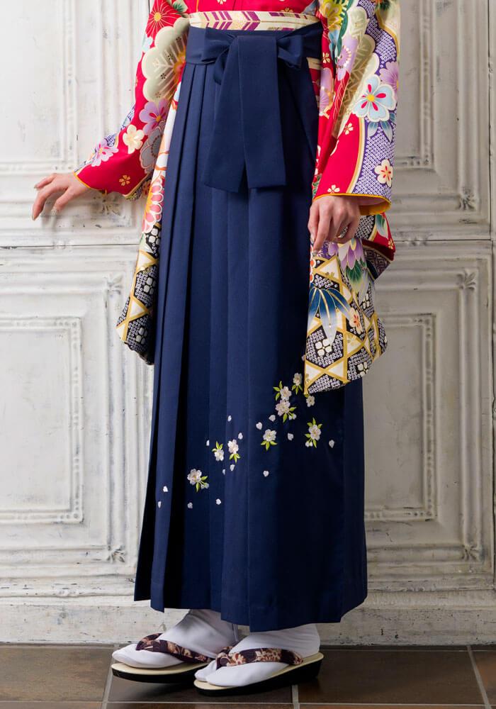 合わせやすい紺色のネットレンタル袴