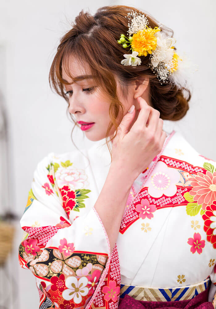 トレンドの古典柄が描かれたネットレンタルできる着物と袴