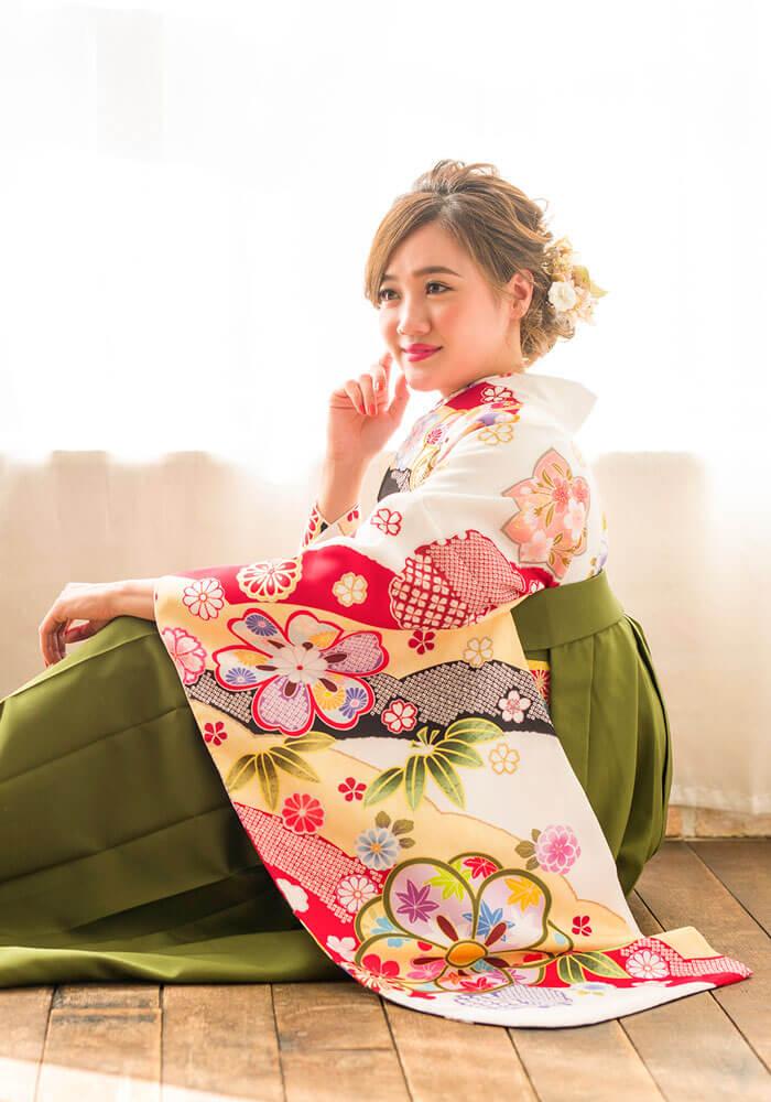 古典柄が描かれたネットレンタル袴
