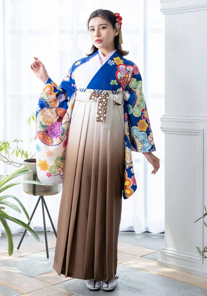 【着物】青白ぼかしに花鏡+【袴】チャイロクリームボカシ紐水玉