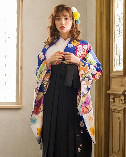 【着物】青白ぼかしに花鏡+【袴】クロ友ヤエザクラ アップ