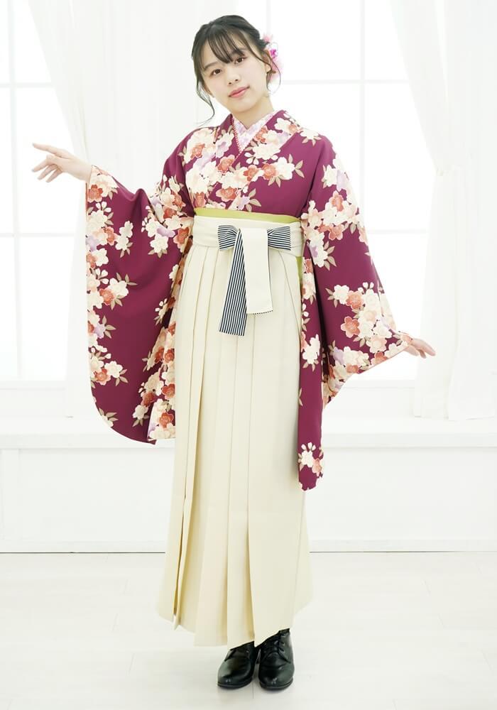 【着物】アズキシダレ桜小紋+【袴】クリームひも縞
