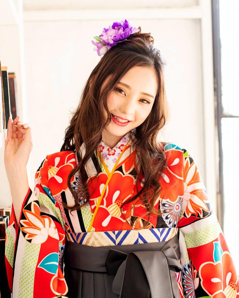 緩めのハーフアップでオシャレに卒業式袴を着こなすみうちゃん。