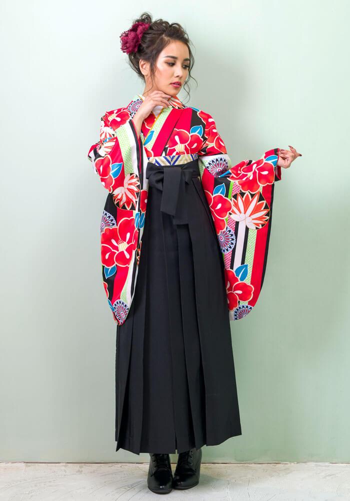 【着物】白地縞に椿と菊+【袴】クロ