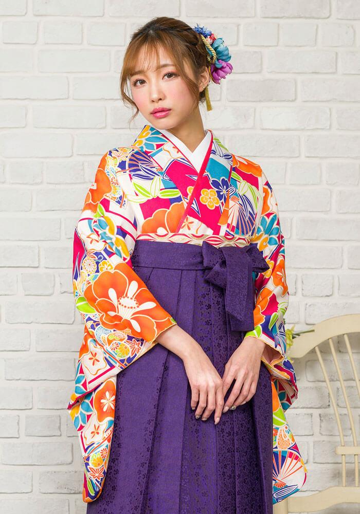 【着物】白地市松に椿と扇
