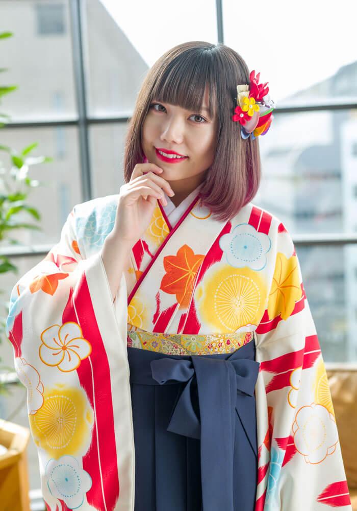 矢羽根模様の卒業式のネットレンタルの着物