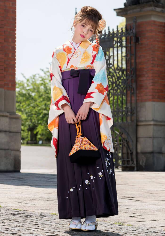 紫の袴を合わせた卒業式のネットレンタル商品