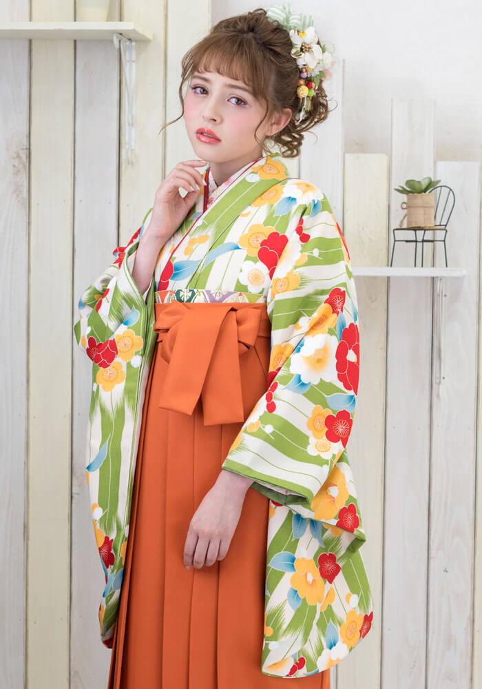 卒業式の袴に合わせる【着物】緑白矢がすり梅と牡丹