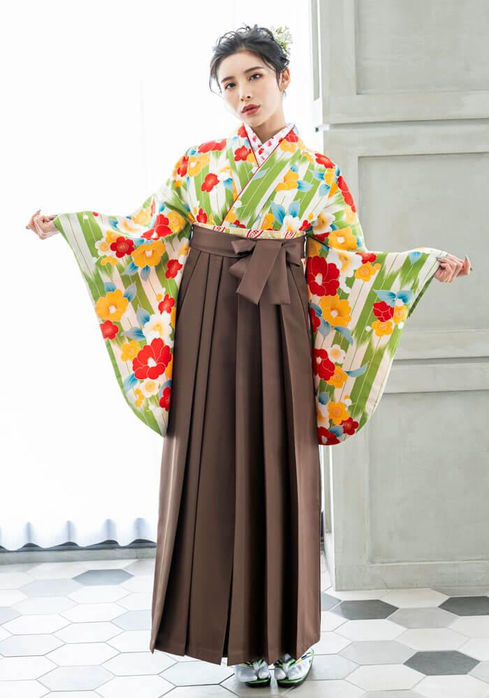 【着物】緑白矢がすり梅と牡丹+【袴】チャイロ