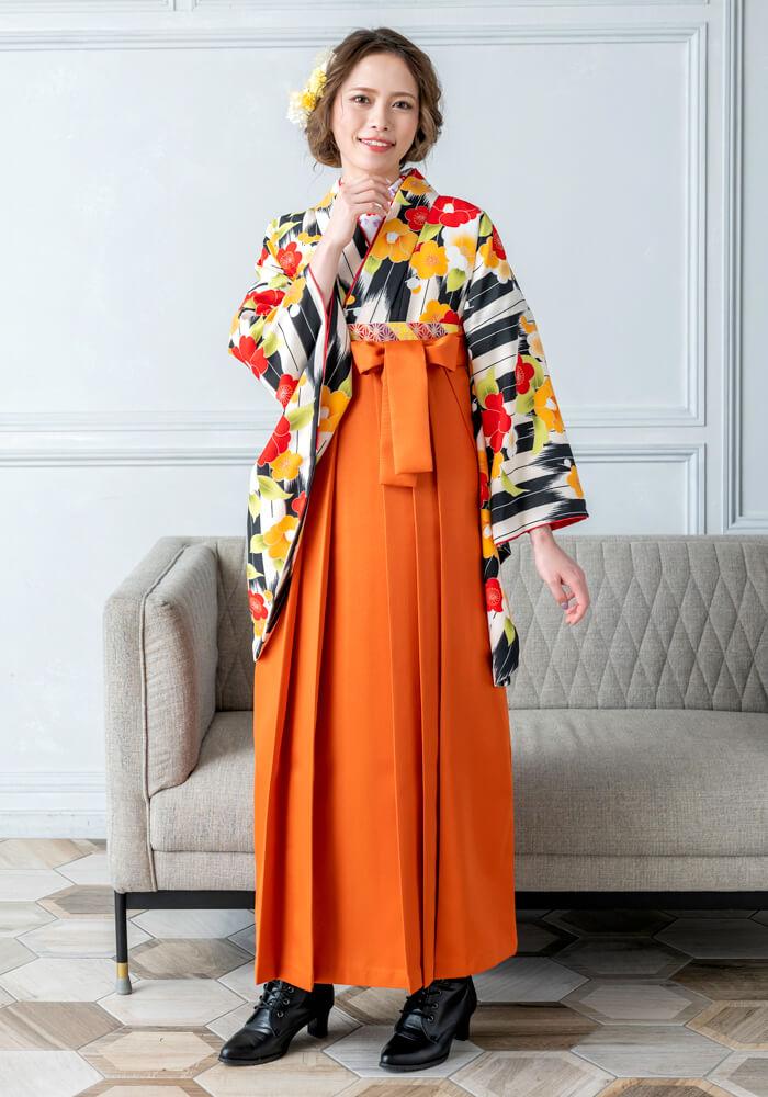 黒とオレンジの袴
