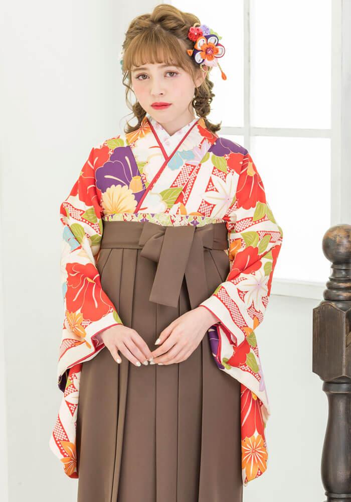 暖色系のレトロ可愛い卒業式袴