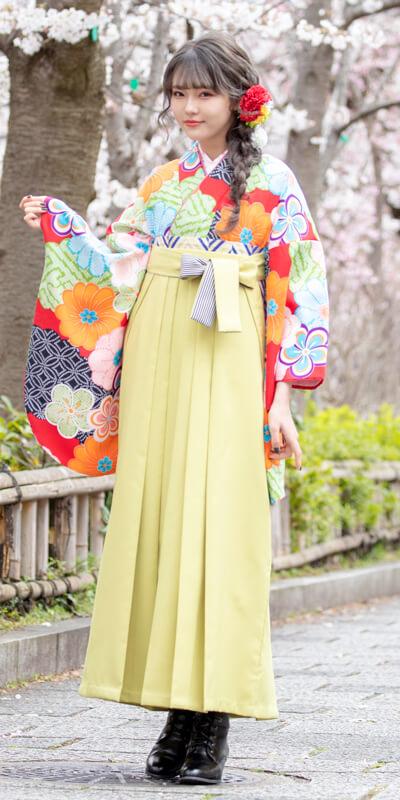 【着物】赤地にねじり梅とかのこ雲+【袴】モスグリーンひも縞