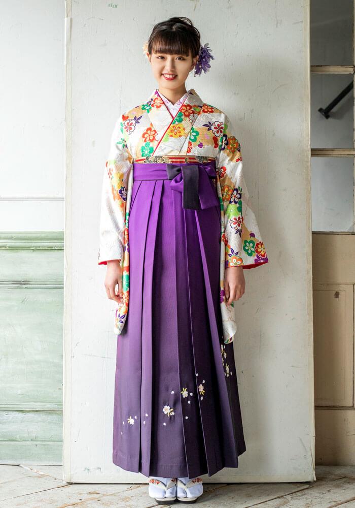 【着物】クリーム扇面に流し花+【袴】ムラサキシシュウ