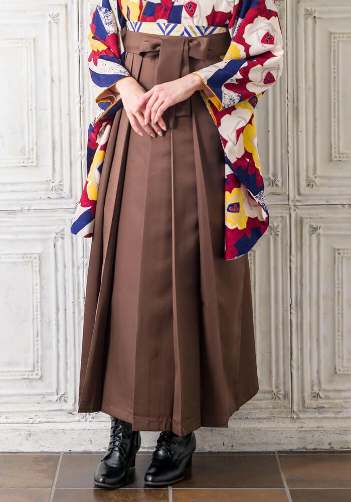 ネットレンタルで人気の茶色の袴
