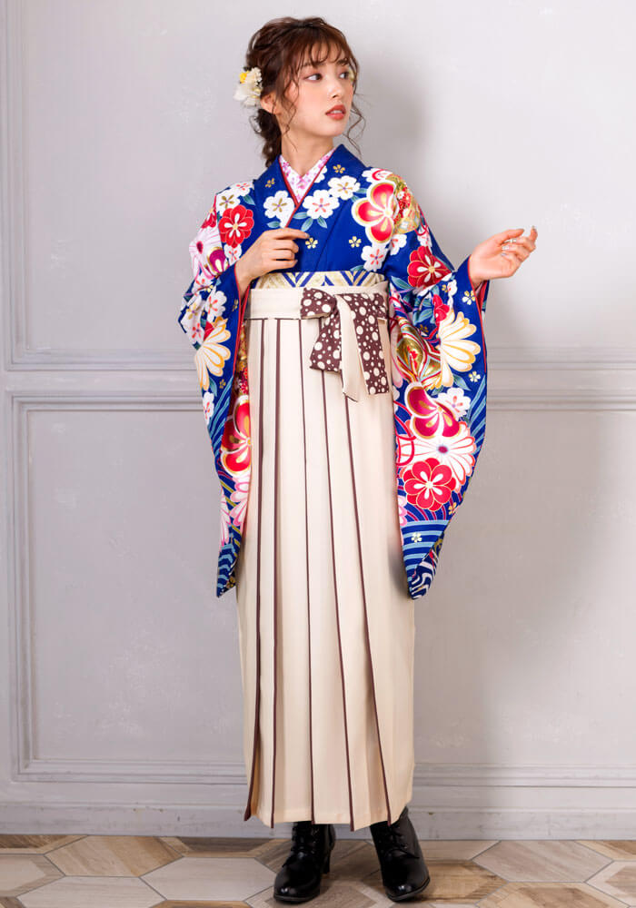 袴レンタルの宅配で人気のCLD926に青地の着物を合わせてみました