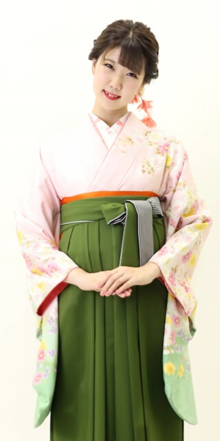 着物:ピンク袖わかくさ八重桜
