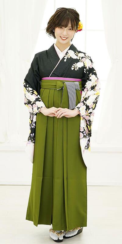 【着物】黒に袖白八重桜+【袴】抹茶ひも縞