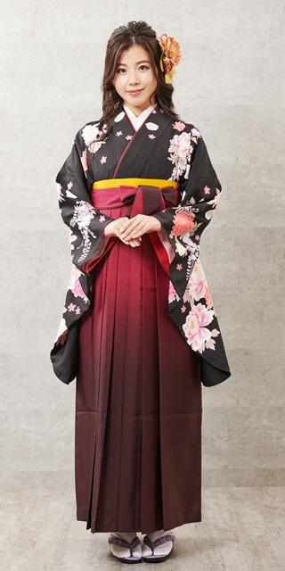 【着物】黒にボタンラメ刺繍+【袴】ワインボカシ