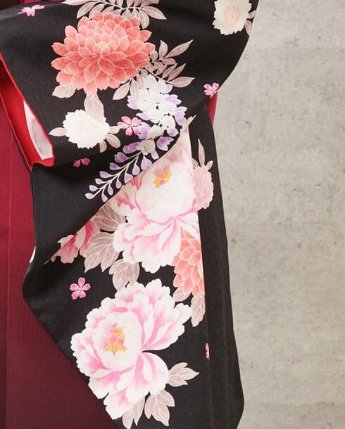 京都さがの館のシックで華やかな卒業式袴