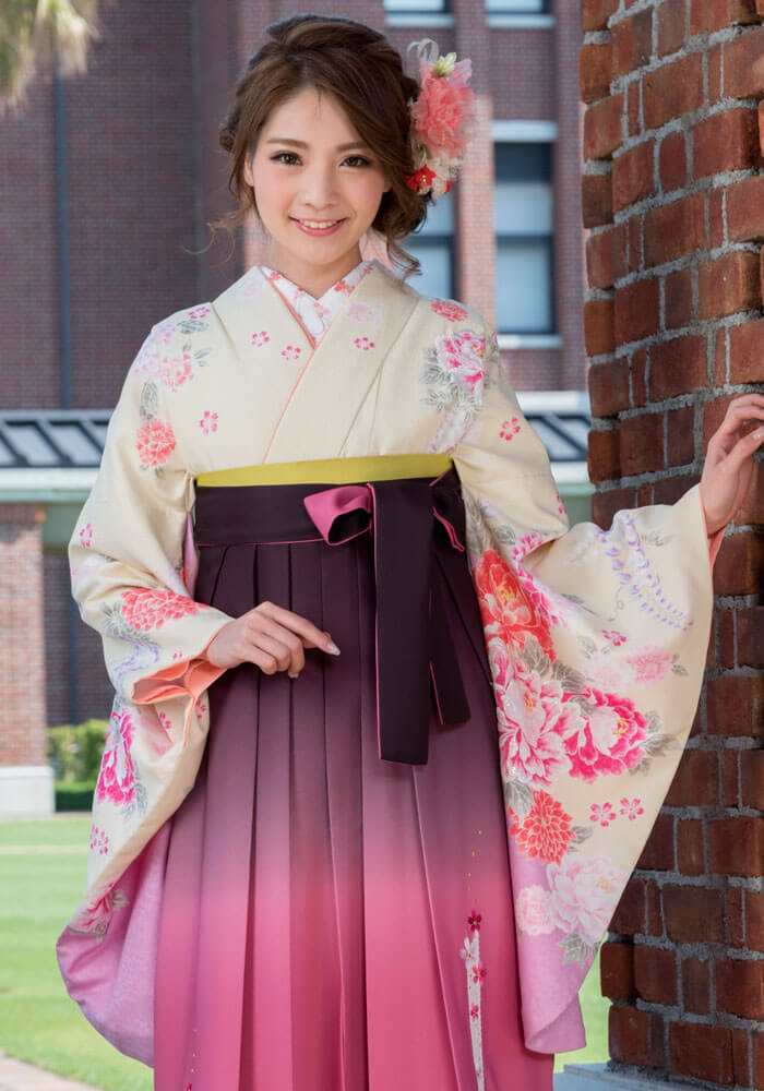 宅配でレンタルできる可愛いピンクの袴