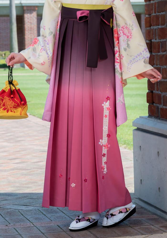 グラデーションが施されたピンクの袴