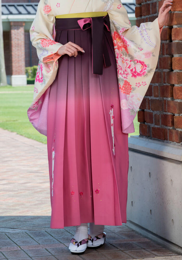 袴の宅配レンタルで人気の可愛いピンクの袴