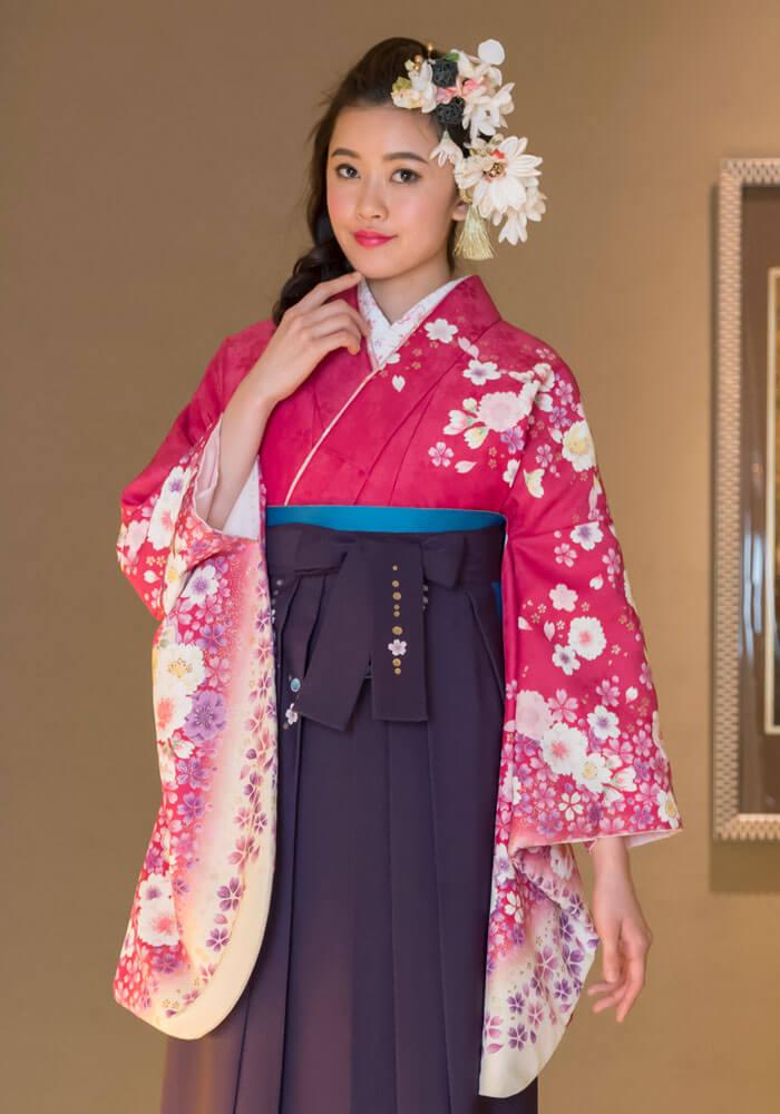 ピンクと紫の卒業式の袴コーディネート