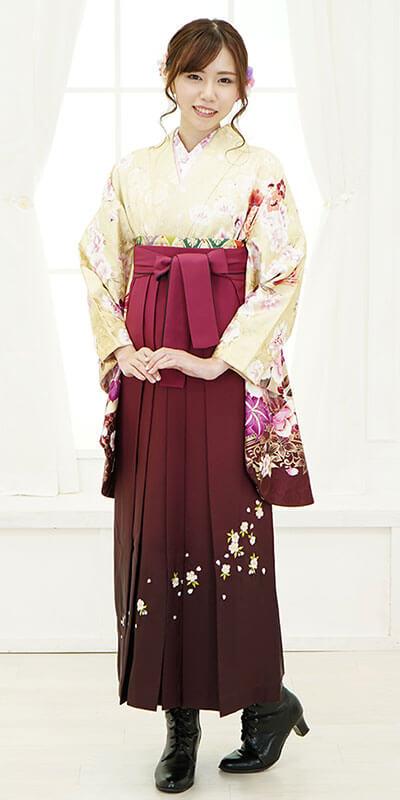 【着物】ベイジュ洋花袖ぼかし+【袴】ワインボカシシシュウ