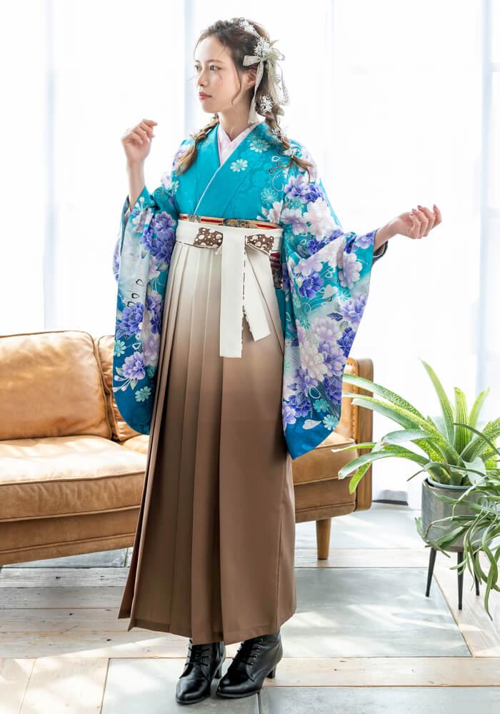 【着物】エメラルドグリーンに洋花+【袴】チャイロクリームボカシ紐水玉