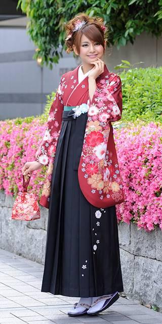 着物:エンジにラメ桜手まり_袴:クロ友ヤエザクラ