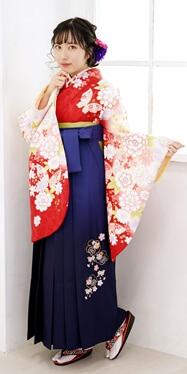 【着物】アカ市松柄蝶小袖ぼかし+【袴】コンボカシ花かごシシュウ