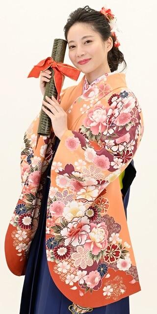 着物:オレンジぼたん袖ボカシ