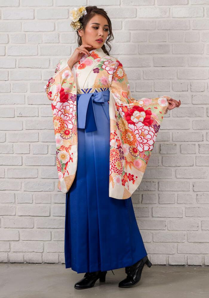 【着物】クリームに市松和柄+【袴】ブルーボカシ 袖