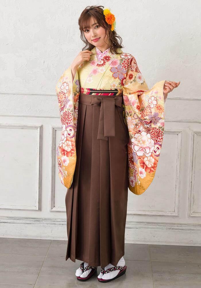 ネットレンタルできる京都さがの館の茶色の袴