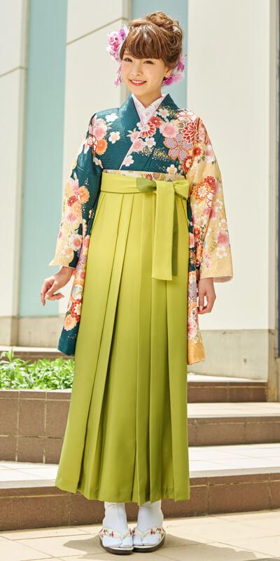 着物:深緑手まりに御所車+袴:キイロボカシ